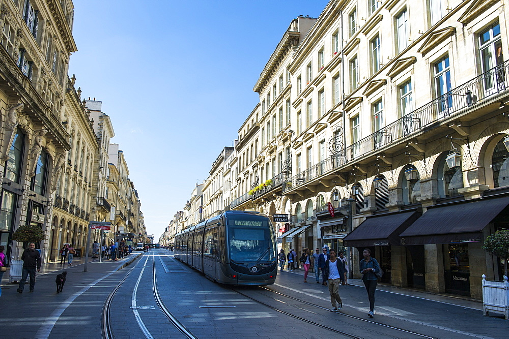 Tram rolling through the historic quarter of Bordeaux, Aquitaine, France, Europe