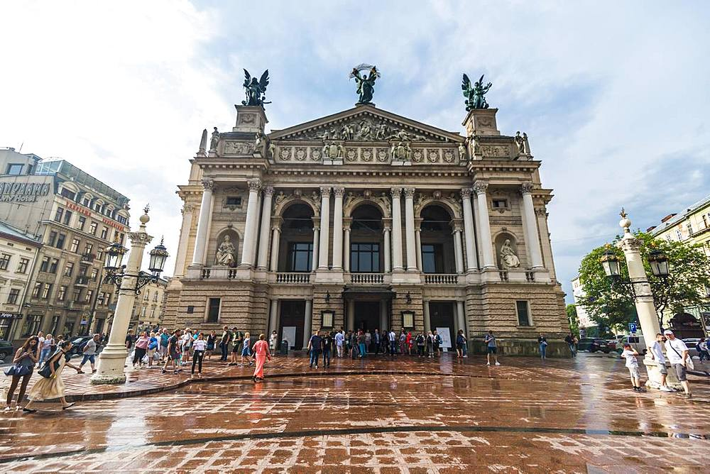 Lviv National Academic Opera and Ballet Theatre, Unesco sight the town Lviv, Ukraine - 1184-2557