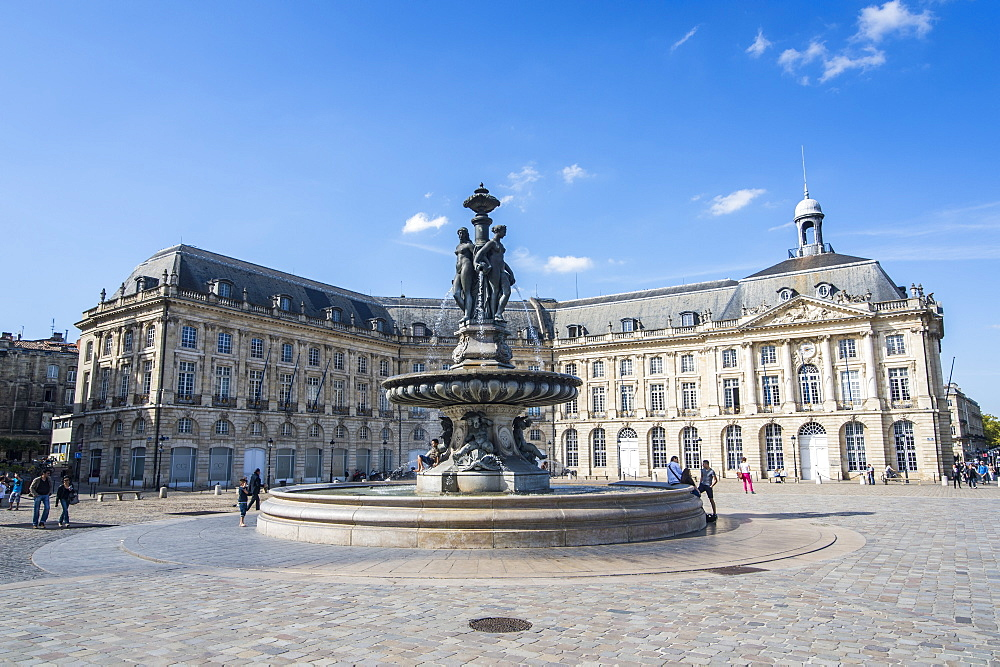 Fountain on the Place de la Bourse, Bordeaux, Aquitaine, France, Europe