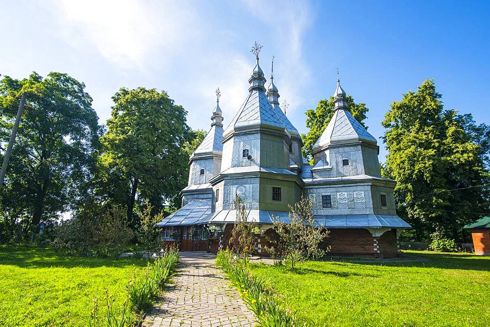 Wooden church of Nativity of Blessed Virgin Mary, UNESCO World Heritage Site, Nyzhniy Verbizh, Ukraine, Europe