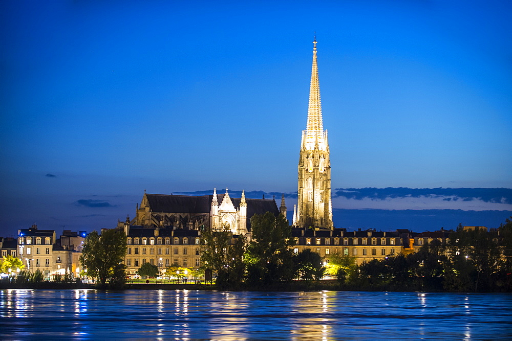 Basilica Sain-Michel on the Garonne River, Bordeaux, Aquitaine, France, Europe