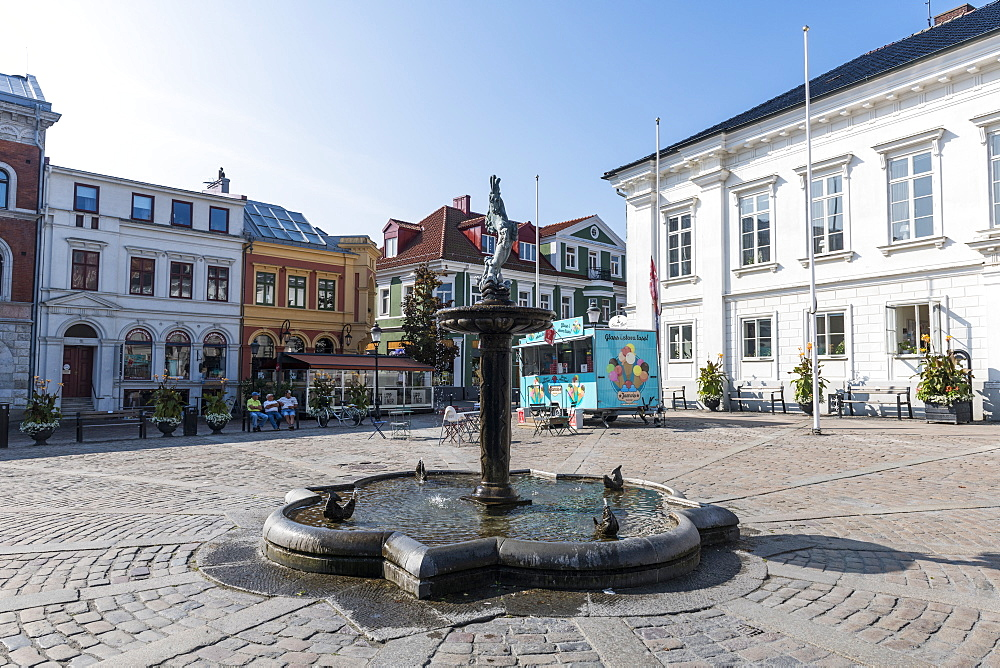 Town square, historic town of Ystad, Sweden, Scandinavia, Europe