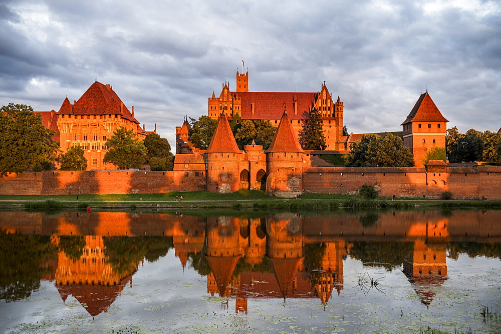 Malbork Castle at sunset, UNESCO World Heritage Site, Malbork, Poland, Europe