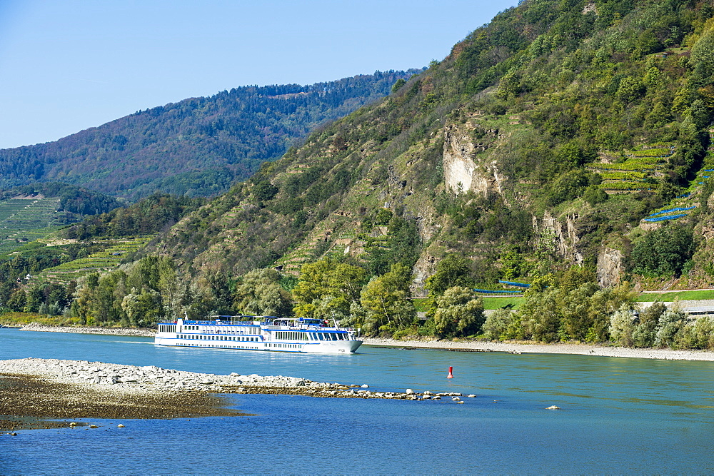 Cruise ship passing the castle Spitz on the Danube, Wachau, UNESCO World Heritage Site, Austria, Europe
