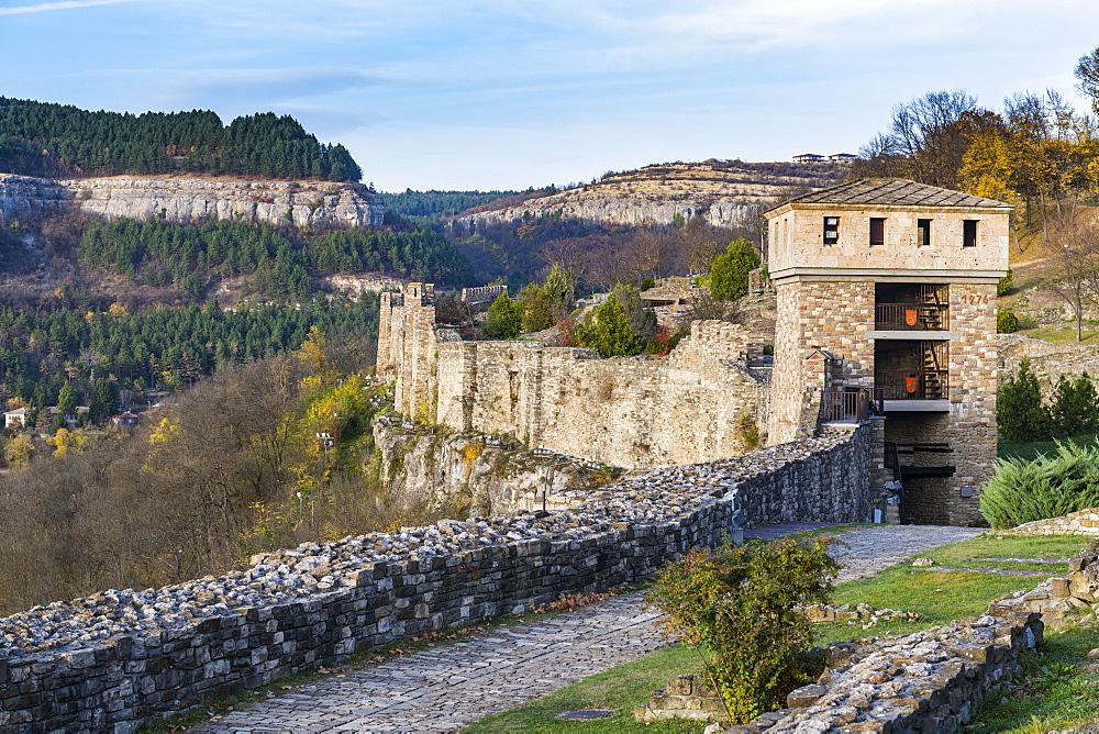 Castle Tsarevets, Veliko Tarnovo, Bulgaria - 1184-2956