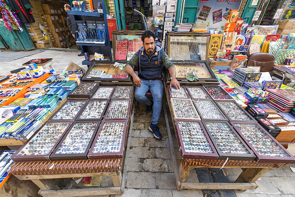 Jewellery seller in Mutanabbi street, Baghdad, Iraq, Middle East