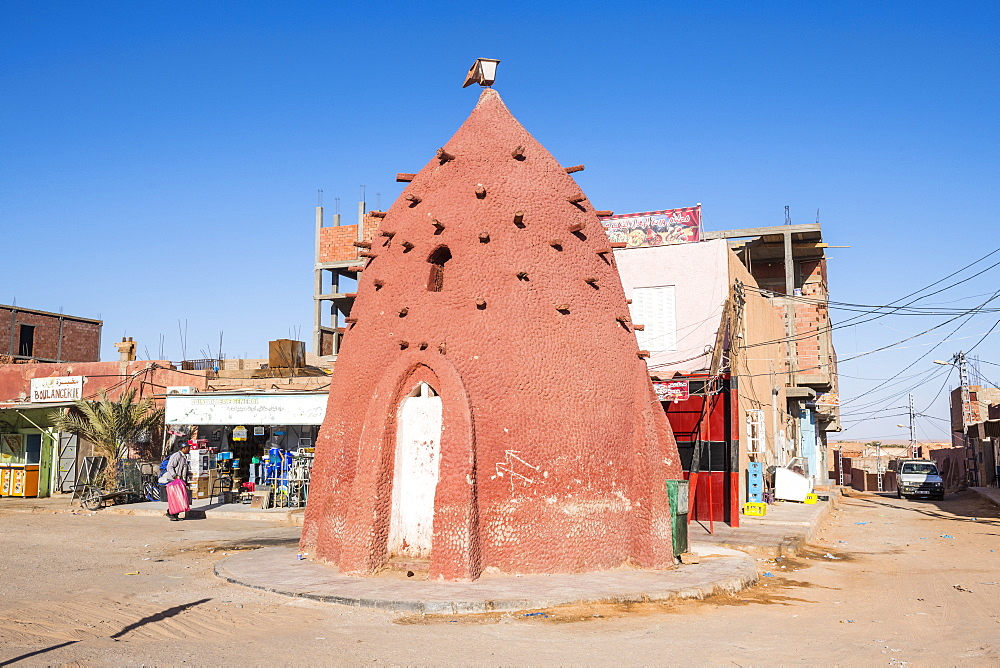 Old water well in the center of Timimoun, western Algeria