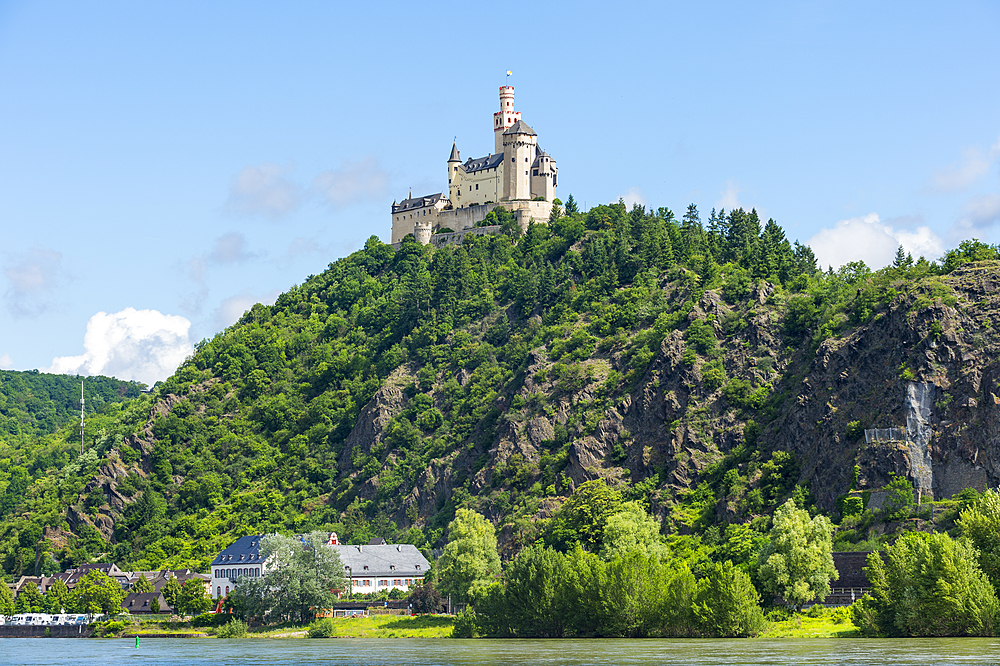 Marksburg overlooking the Rhine, UNESCO World Heritage Site, Middle Rhine valley, Rhineland-Palatinate, Germany, Europe