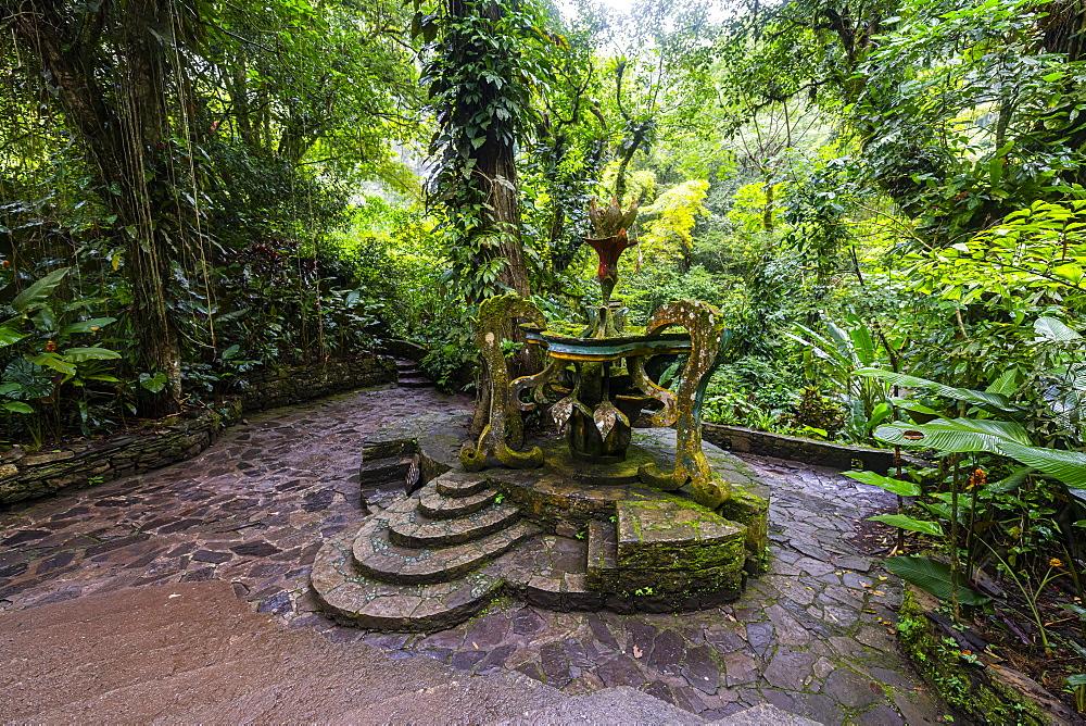 Surrealist sculpture park Las Pozas, Xilitla, Las Pozas, San Luis Potosi, Mexico