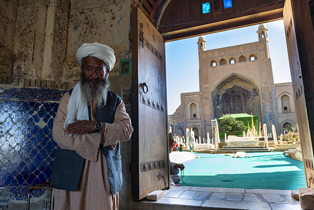 Friendly old man in the Shrine of Khwaja Abd Allah, Herat, Afghanistan, Asia