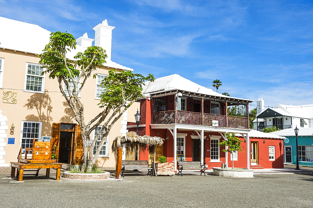 Colonial houses in the Unesco World Heritage Site, the historic Town of St George, Bermuda, North America
