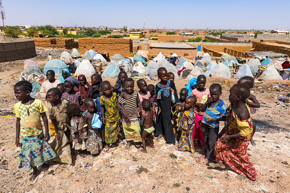 Children in a refugee camp in Agadez, Niger, West Africa, Africa