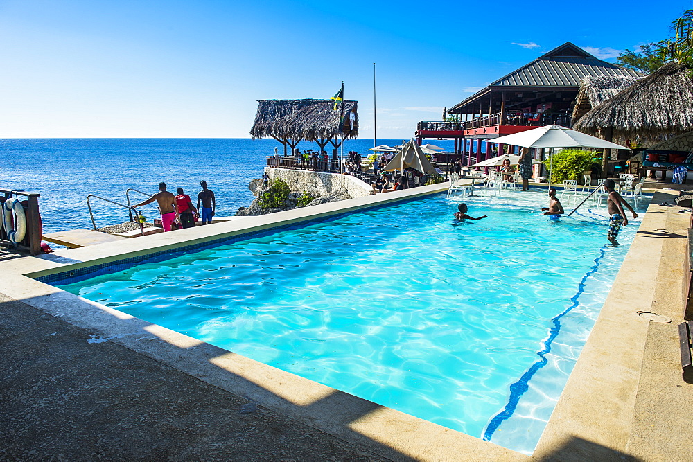 Swimming pool in Ricks Cafe, Negril, Jamaica, West Indies, Caribbean, Central America