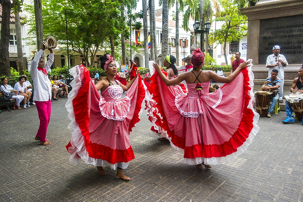 Traditional dancing in the Unesco world heritage sight, Cartagena, Colombia
