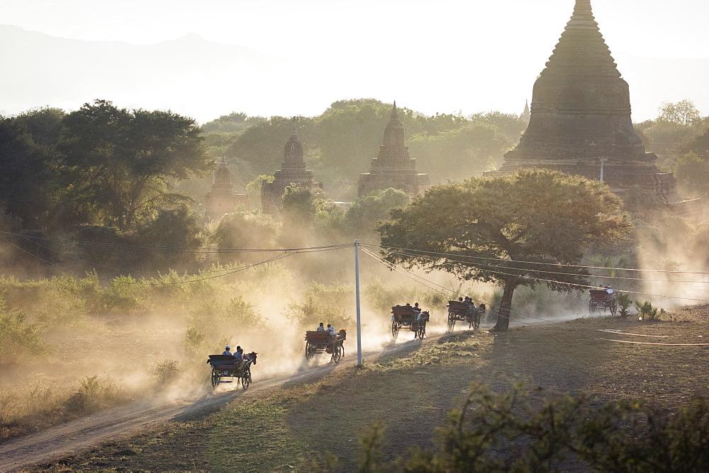Bagan, Myanmar (Burma), Southeast Asia - 1185-194