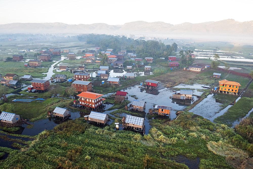 Weaving, Inle Lake, Shan State, Myanmar (Burma), Asia - 1185-303