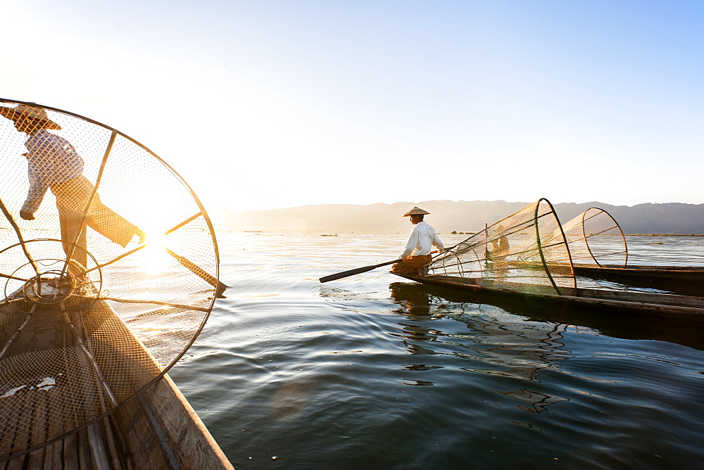 Traditional fisherman on Inle lake, Shan State, Myanmar (Burma), Asia - 1186-30