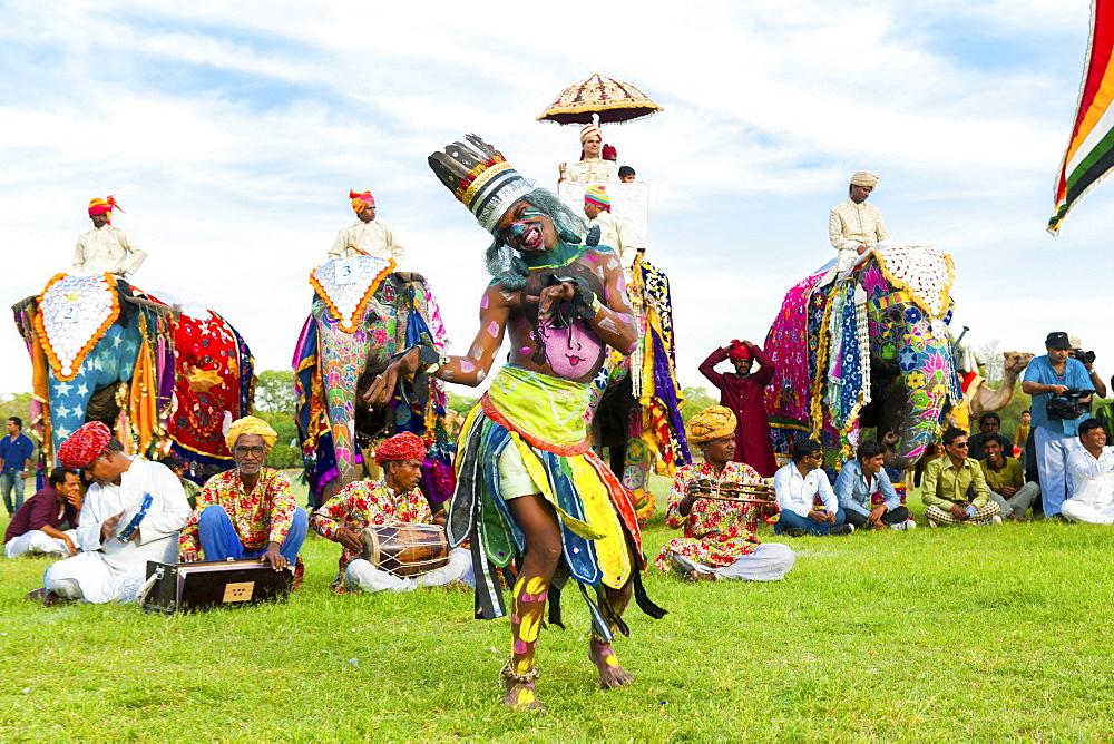 Dancer at the Jaipur elephant festival, Jaipur, Rajasthan, India, Asia