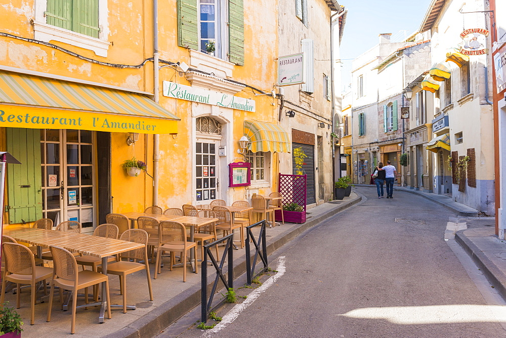 Cafe in Arles, Bouches du Rhone, Provence, Provence-Alpes-Cote d'Azur, France, Europe