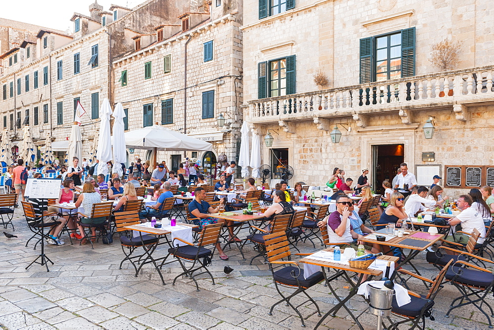 Restaurants in the old town, UNESCO World Heritage Site, Dubrovnik, Croatia, Europe