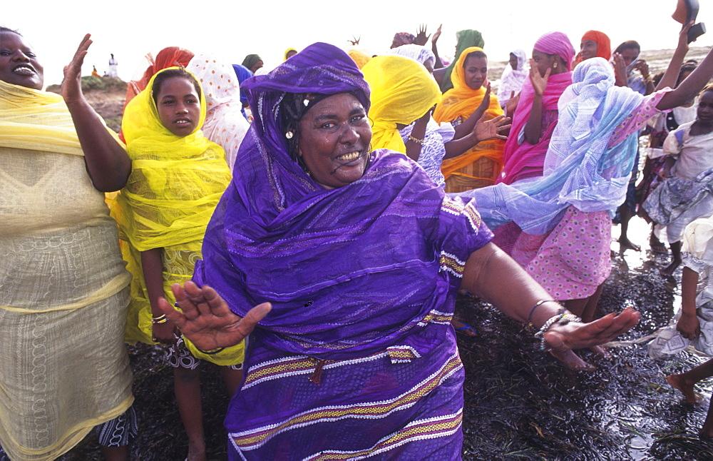 Celebration party, mauritania. Banc darguin national park. Imaraguen women celebrate the arret of pirate fishermen