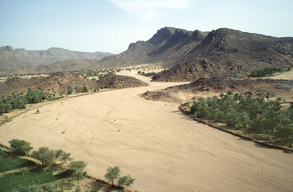 Desertscape, niger (west africa). Tahoua village. Dried up river. Seasonal rains are increasingly unreliable in the sahel due mainly to climate change