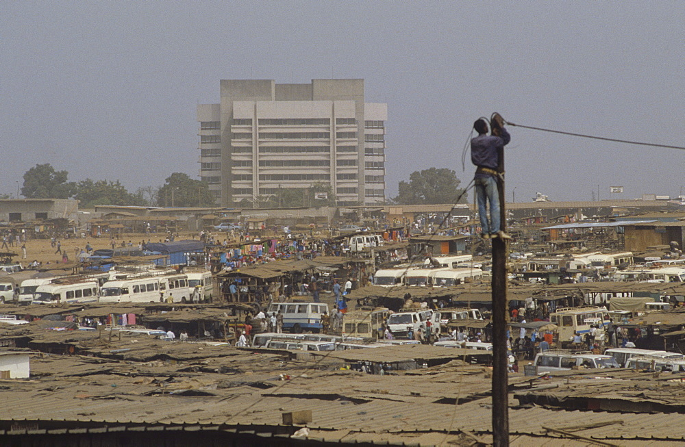 General view, cote d ivoire. Abidjan. Congested city centre