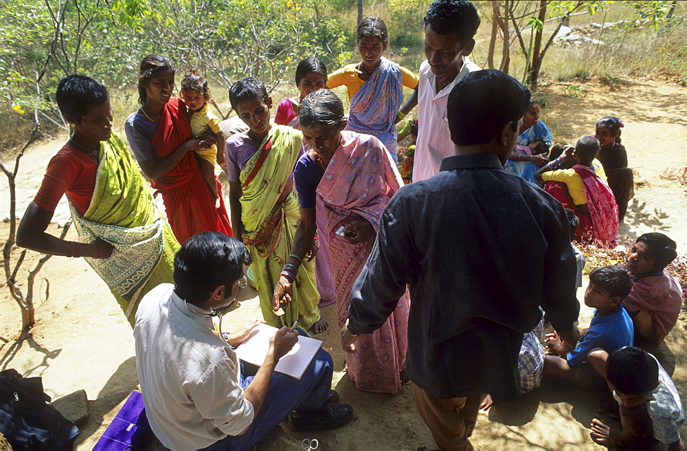 Health, india. Andhra pradesh, rishi valley. Centre for new education. Doctor dispenses medicines to villages.