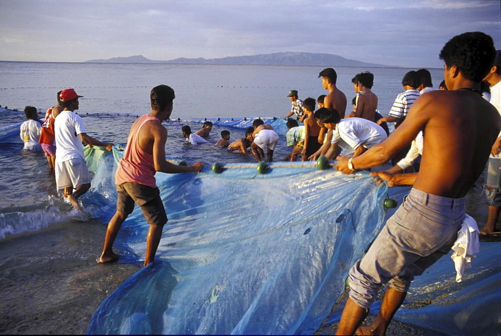 Fishing, philippines. Mindoro island