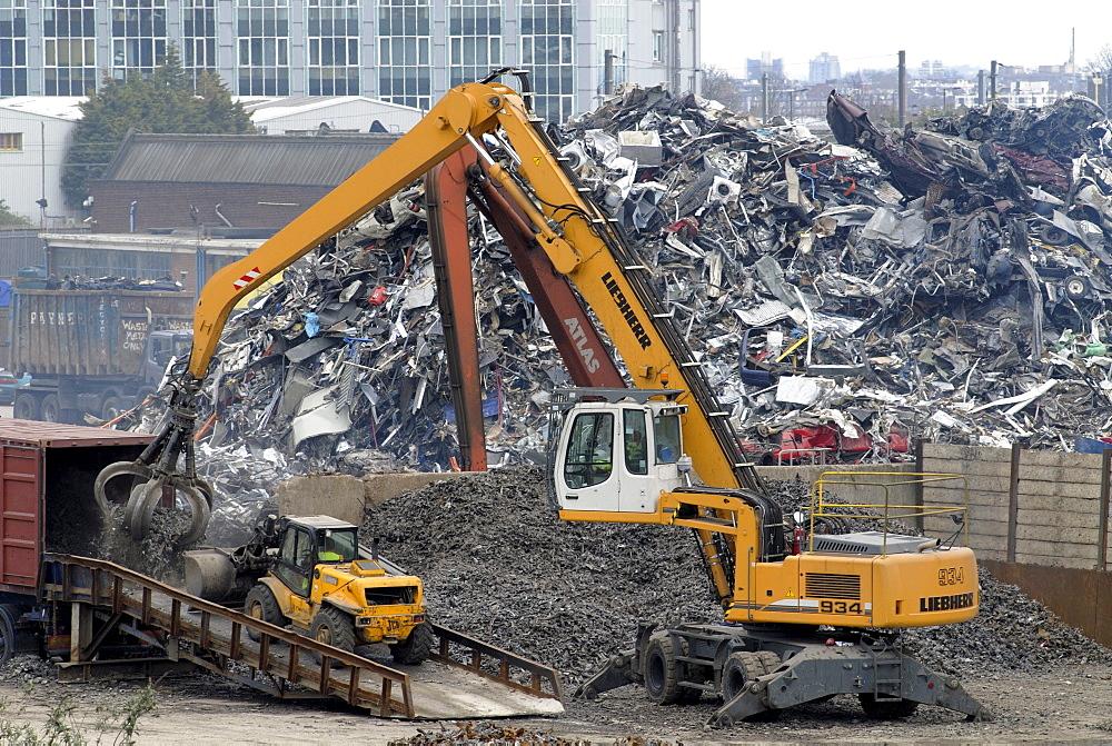 Uk metal scrapyard in willesden junction, london