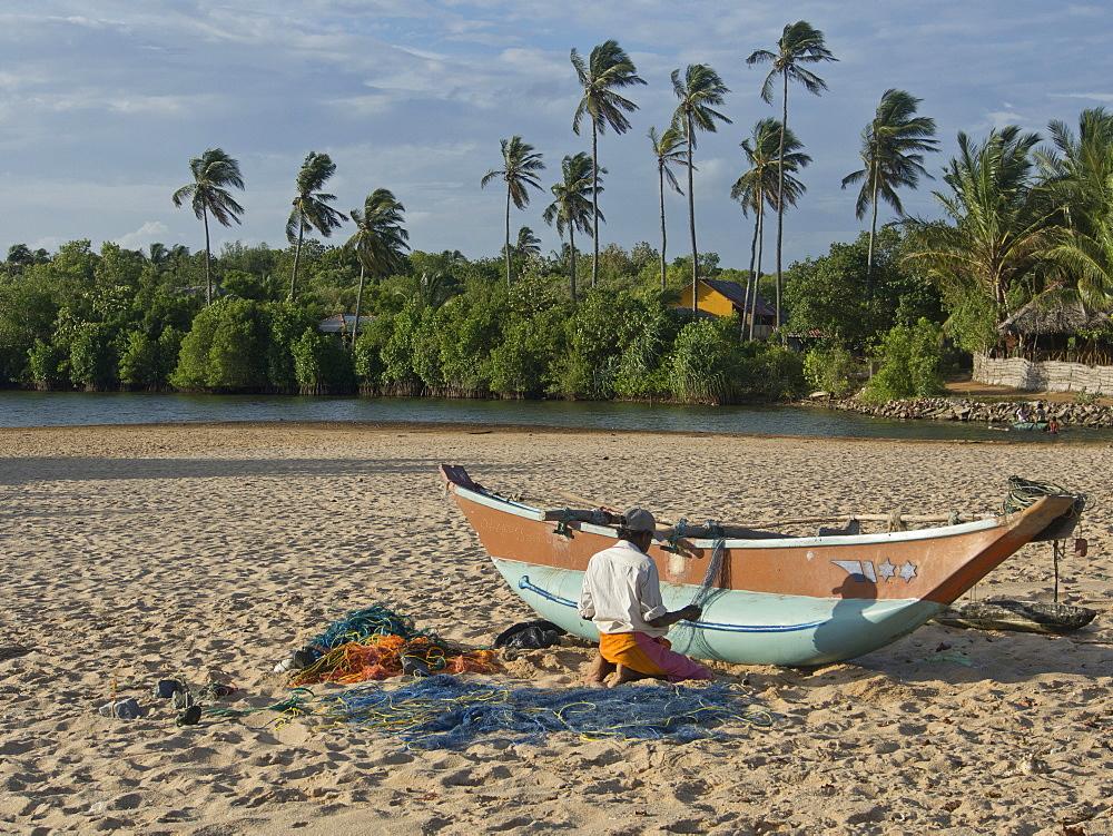 Beach near Tangalle on the southern coast of Sri Lanka, Asia