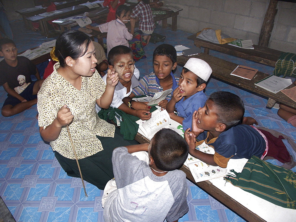 Thailand muslim school for burmese refugees, mae sot