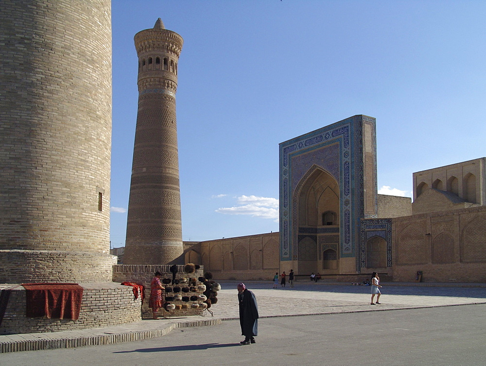 Uzbekistan the kalon minaret and mosque, bukhara