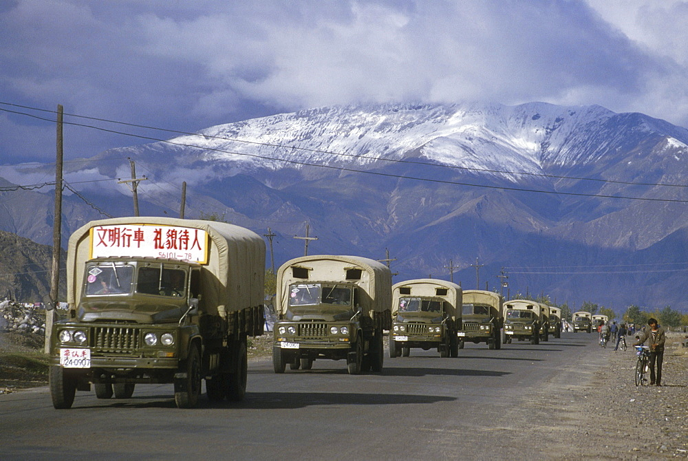 Tibet (china) chinese convoy entering lhasa