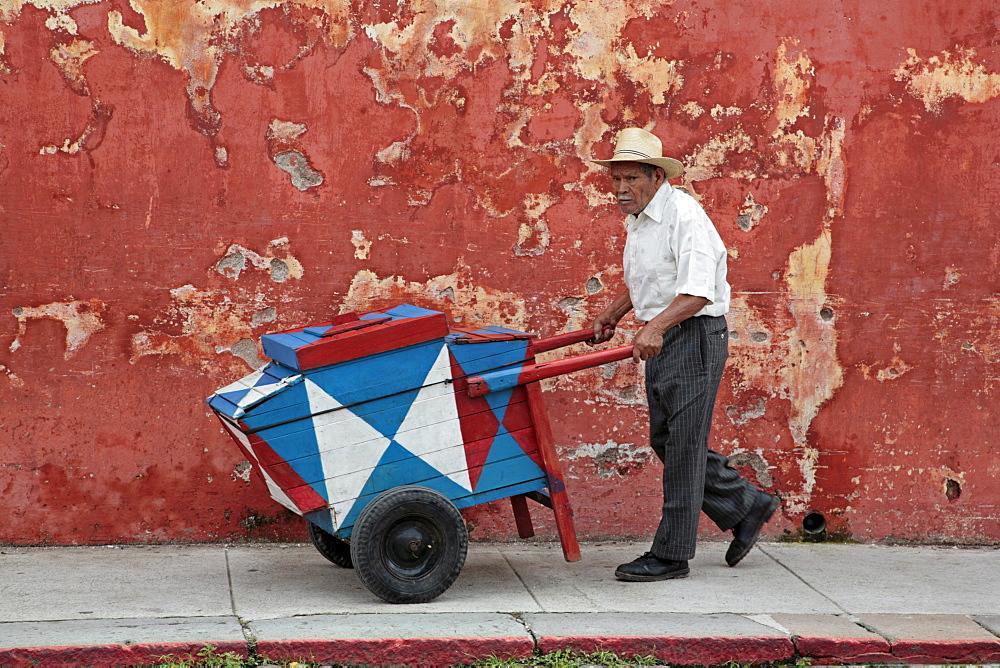 Guatemala street scene. cream seller. Antigu - 1194-1920