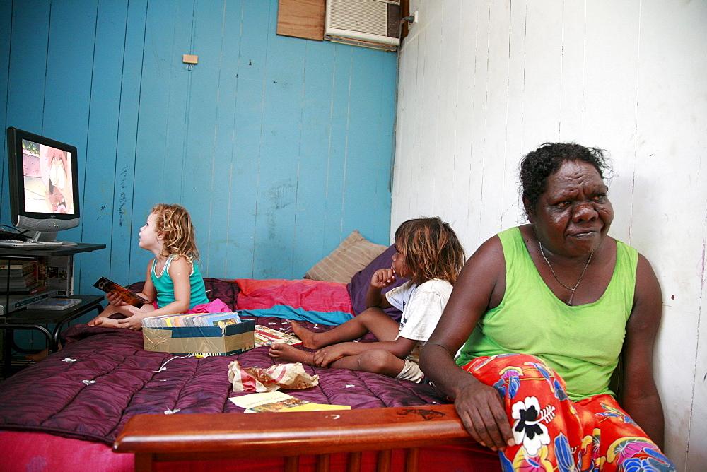 Australia. Children watching tv in aborigine community of , or beswick, arnemland, northern territory. 2007