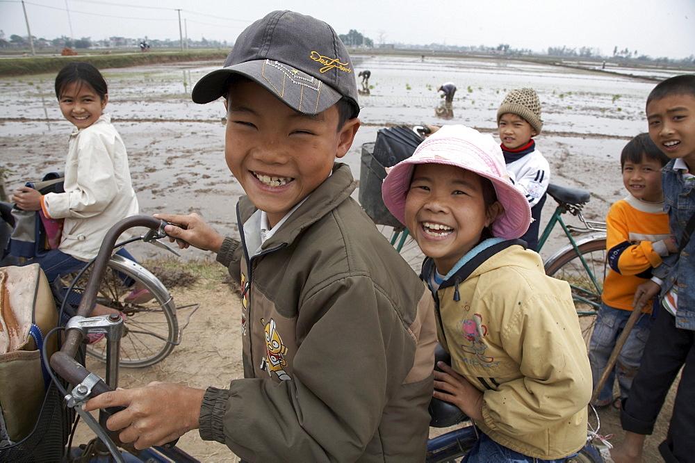 Vietnam children of ninh binh