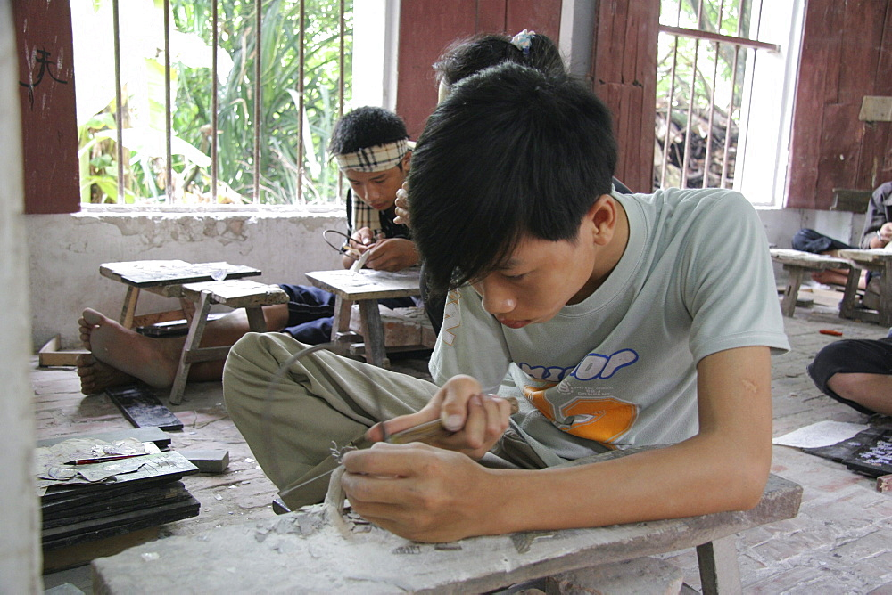 Vietnam mother of pearl inlay training workshop, phuxuyen