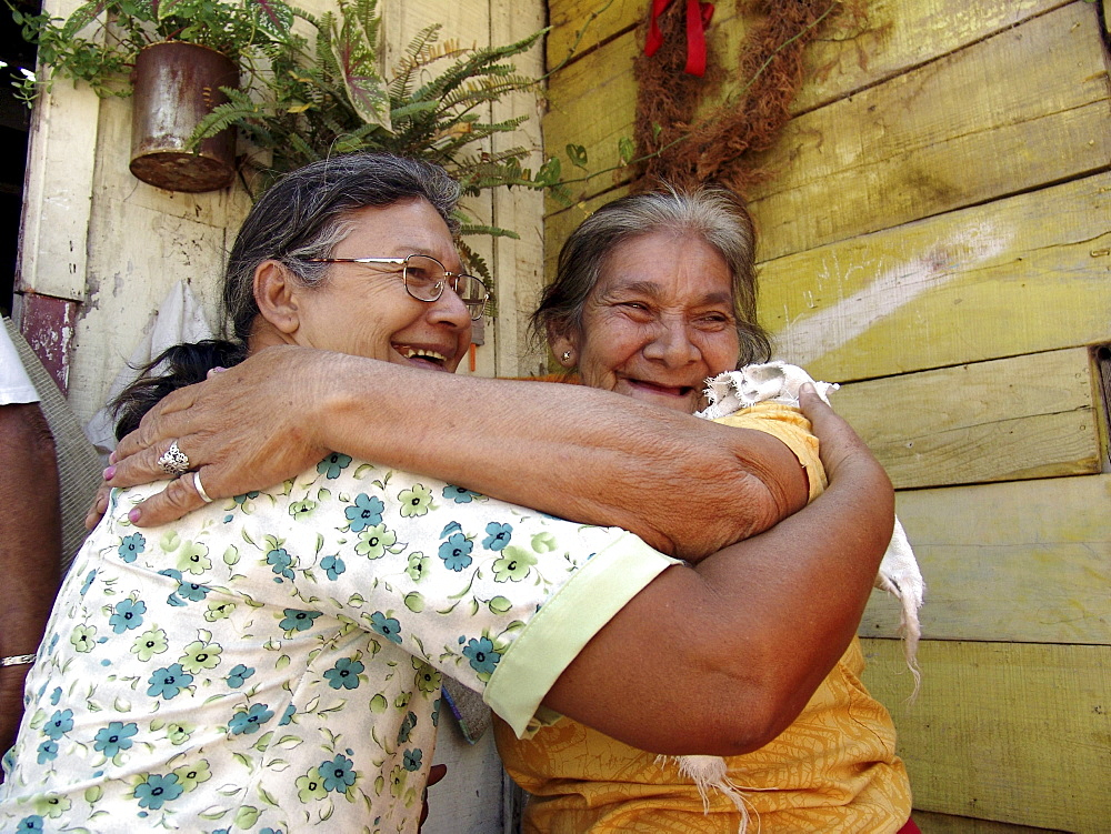 Honduras women embracing, tegucigalpa