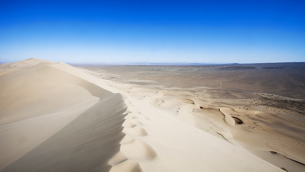 Khongoryn Els Sand dunes in the Gobi Gurvansaikhan National Park in Mongolia, Central Asia, Asia - 1195-117