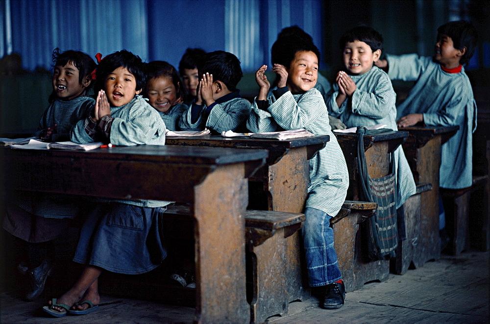 School kids in class. Darjeeling, indi