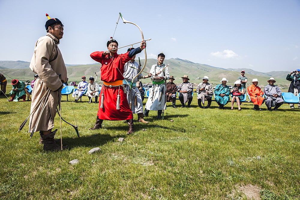 Archery at Naadam Festival, Mongolia, Central Asia, Asia - 1196-320