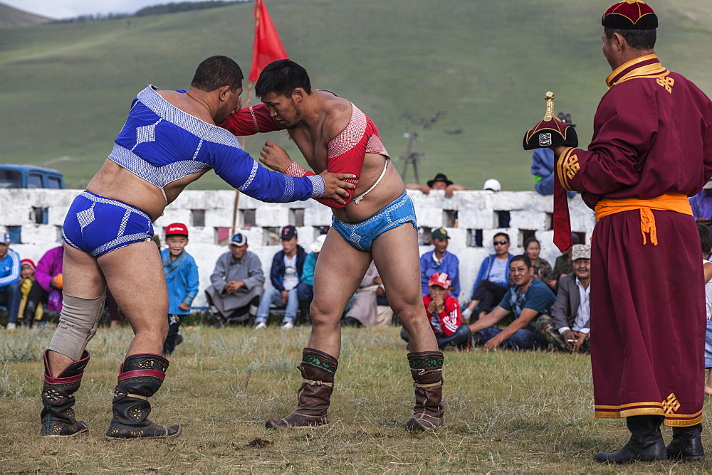 Wrestling match, one of the main attractions of Naadam Festival, Bunkan, Bulgam, Mongolia, Central Asia, Asia - 1196-329