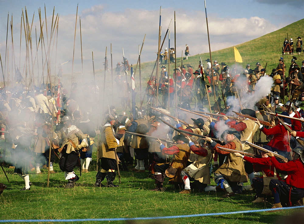 Civil War re-enactment by the Sealed Knot, near site of Edgehill, Warwickshire, England, United Kingdom, Europe - 120-2560