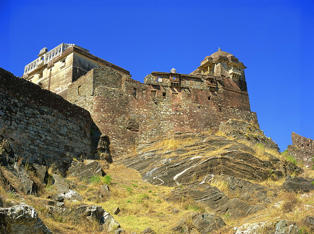 Badal Mahal (Cloud Palace) on peak of a rocky outcrop, Kumbalgarh Fort, Rajasthan state, India, Asia - 120-4012