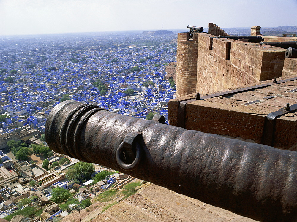 Old cannon and view over Old City from Fort, Jodhpur, Rajasthan state, India, Asia - 120-4110