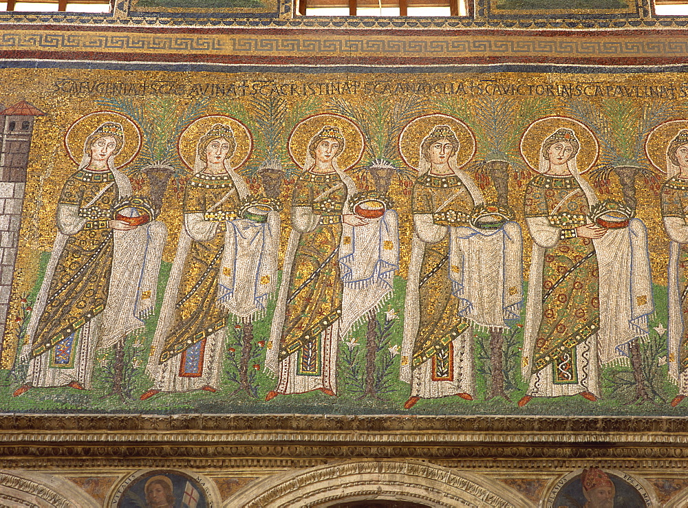 The 6th century mosaics in the Basilica of Sant'Apollinare Nuovo, Ravenna, UNESCO World Heritage Site, Emilia-Romagna, Italy, Europe - 120-4484