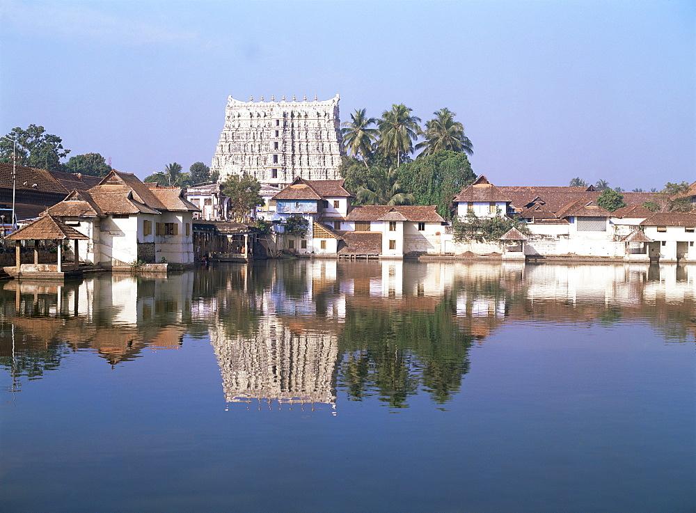 Sri Padmanabhasvami Temple, Thiruvananthapuram (Trivandrum), Kerala state, India, Asia