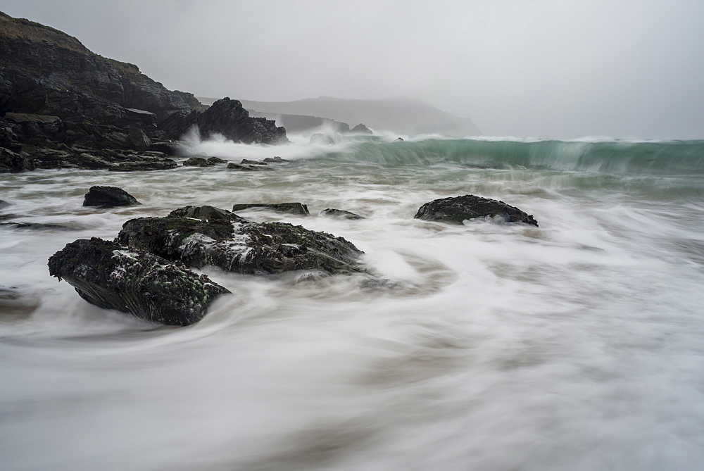 Incoming tide, Clogher Bay, Clogher, Dingle Peninsula, County Kerry, Munster, Republic of Ireland, Europe - 1200-24