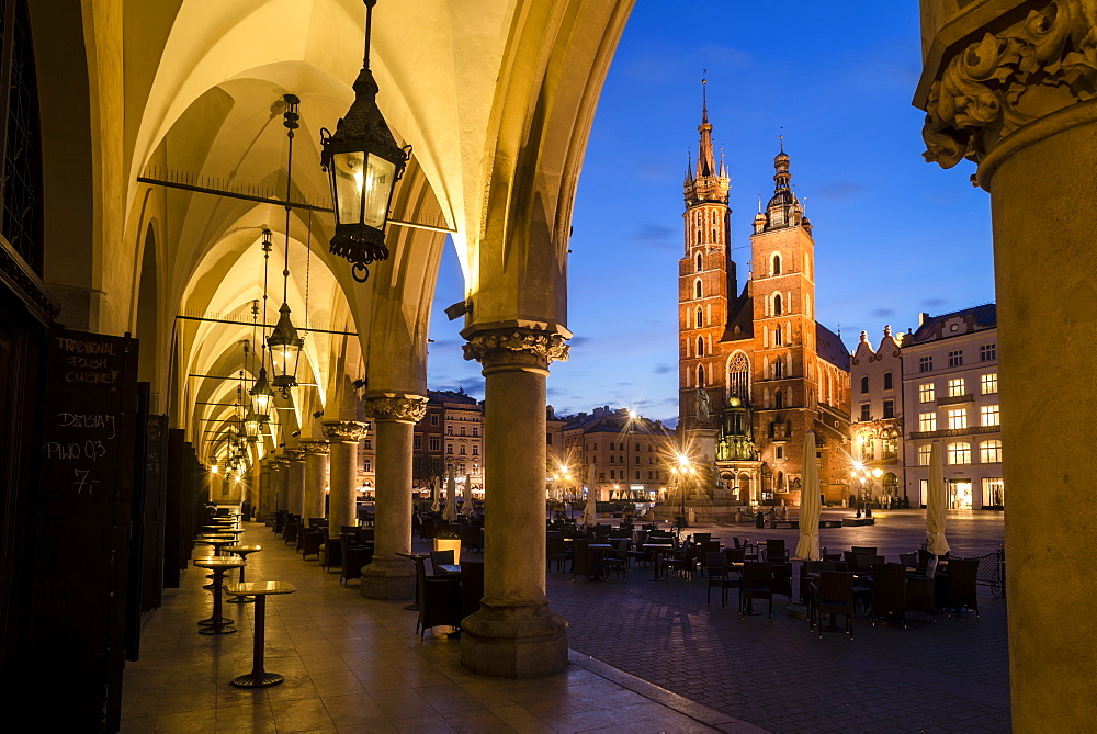St. Mary's Church (St. Marys Basilica) and main square illuminated at dawn, UNESCO World Heritage Site, Krakow, Poland, Europe - 1200-63